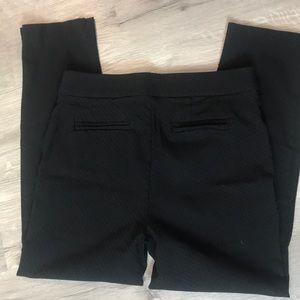 Dana Buchman textured pull on pants Medium